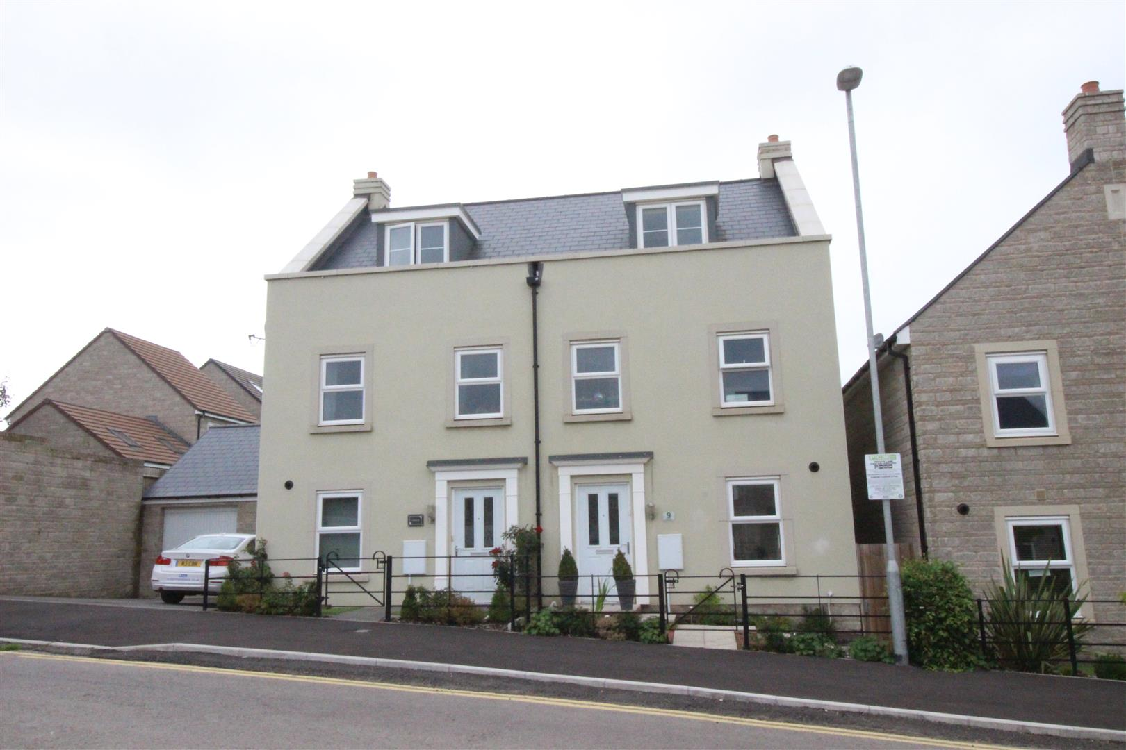 3 Bedrooms Semi Detached House for sale in Cowleaze, Purton, Swindon